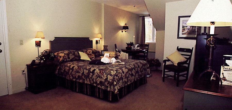 canada_mont_tremblant_kandahar_bedroom.jpg